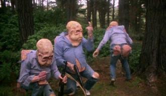 Wenn der Alien in ihnen ausbricht, hält keine Jeans dem stand