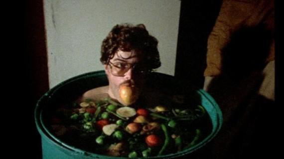 Vertreter Giles lernt die Nahrungskette der Aliens aus erster Hand kennen