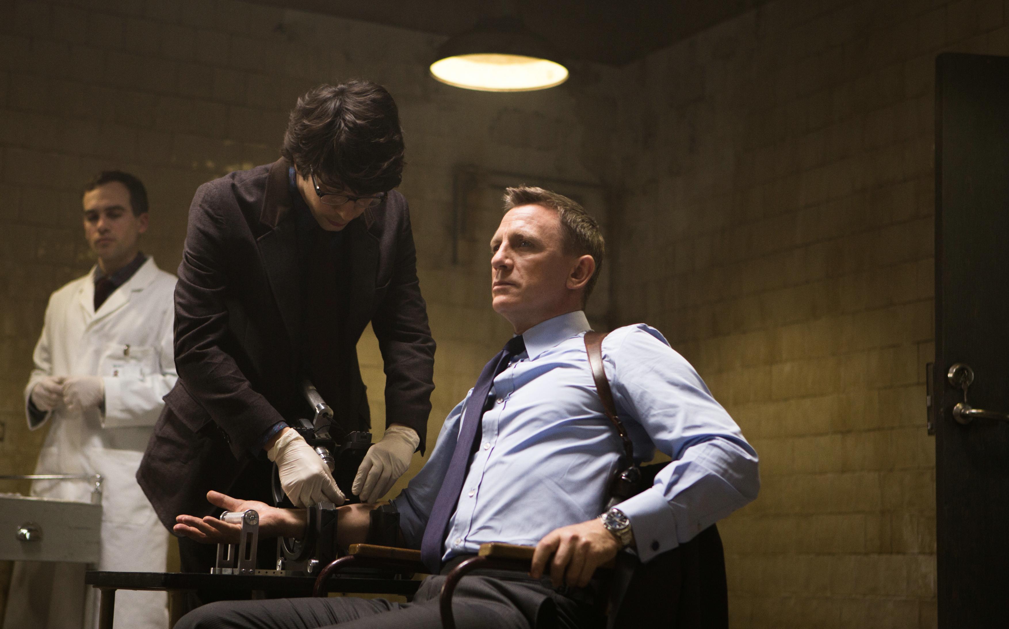 james bond 007 spectre blu ray review rezension kritik craig. Black Bedroom Furniture Sets. Home Design Ideas