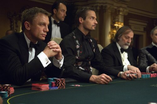 daniel-craig-collection-casino-royale-szene-1.jpg
